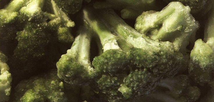 Dit artikel over invriezen komt uit de Allerhande en er staan een heleboel goede tips in. Wie het geheim van invriezen kent, heeft het hele jaar door bruikbare ingredienten in huis. Er staan hier en daar wat persoonlijke aanvullingen in. Diepvriesgroente Diepvriesgroenten zitten boordevol vitamines en doen qua voedingswaarde en smaak absoluut niet onder voor …
