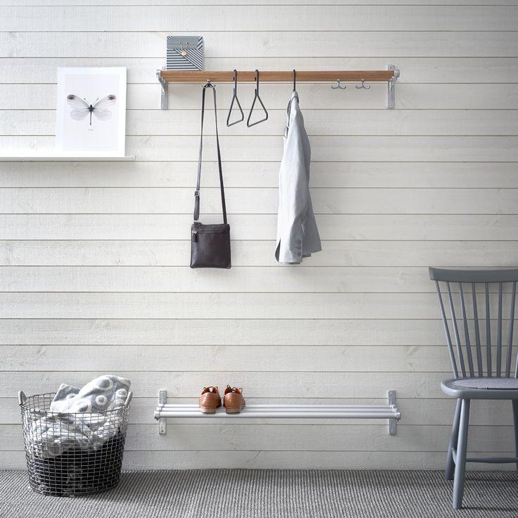 https://www.svenssons.se/p/hyllor-skåp-och-förvaring/hall-och-skohyllor/nostalgi-sko-eller-hatthylla-vit-aluminium/57813007007