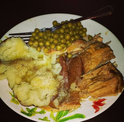 I use a Instant Pot IP-DUO60 7-in-1 Multi-Functional Pressure Cooker, 6Qt/1000W I cooked mine MOSTLY frozen, a 3-pound pork roast. It had been in the refrigeratorabout 12 hours, so was still prett…