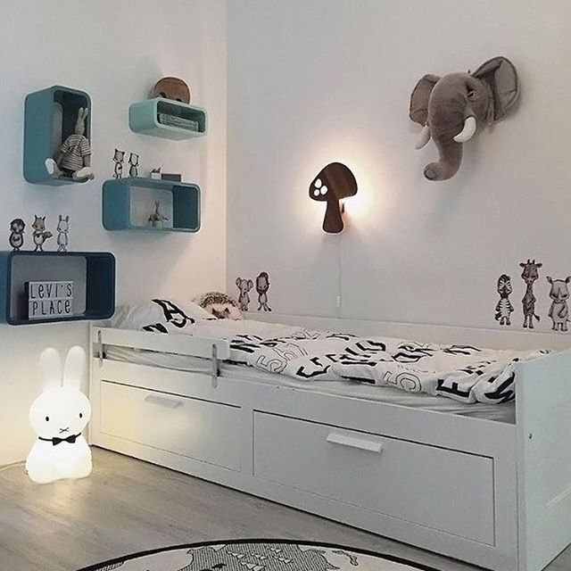 Love this gorgeous little boy's room! The beautiful home of @ingerliselille 👈🏻 Miffy lamp and The World rug are available in our online store 💫 . #kidsroom #kidsroomdecor #nordichome #nordicinspiration