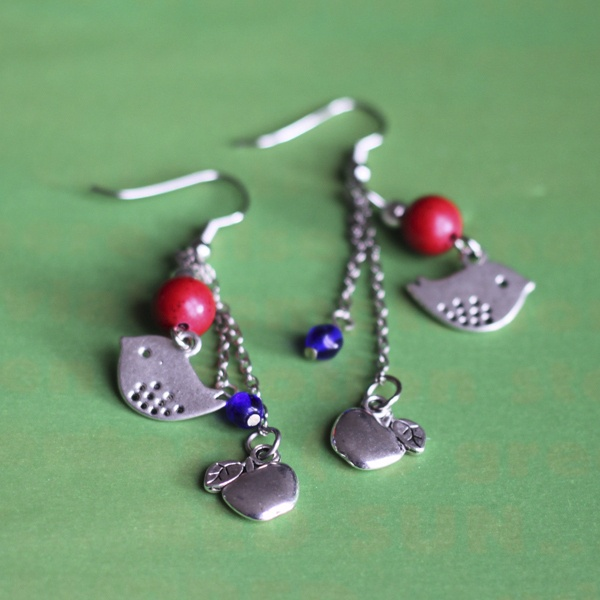 Beautiful earrings, full of fun :)  Handmade from red stone beads, blue navy glass beads and silver-plated findings. €18