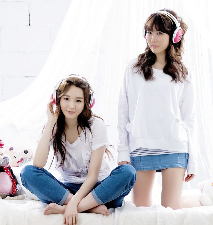 Davichi (다비치) is a South Korean pop-ballad duo that consists of Lee Haeri (이해리) and Kang Minkyung (강민경). The duo was formed in 2008 by Mnet Media.