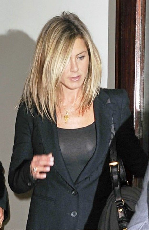 Jennifer Aniston Medium Hairstyle Be Hairstyles Hair And Beauty