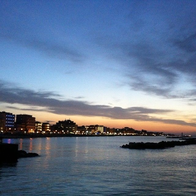 La costa illuminata alle luci del tramonto #Bellariaigeamarina