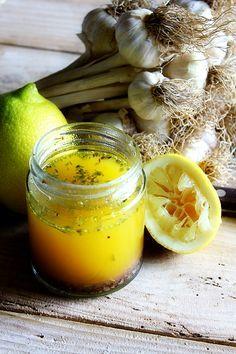 Vinagreta de ajo y limón - LAS SALSAS DE LA VIDA