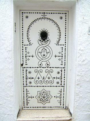 white door, Hammamet, Tunisia 000