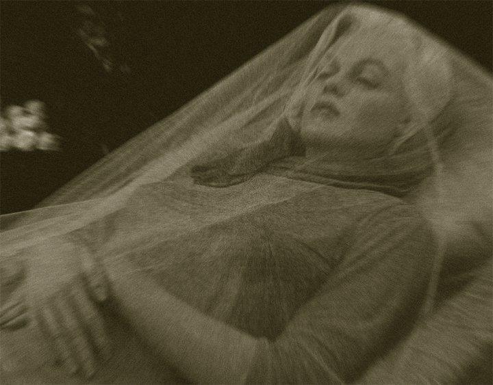 Marilyn Monroe Funeral - Bing images