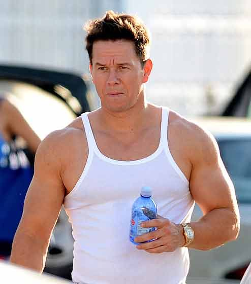 mark wahlberg workout chest shoulders