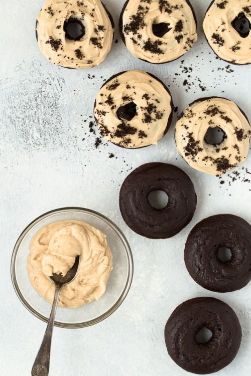 These Chocolate Donuts with Peanut Butter Frosting will take you  Mein Blog: Alles rund um Genuss & Geschmack  Kochen Backen Braten Vorspeisen Mains & Desserts!