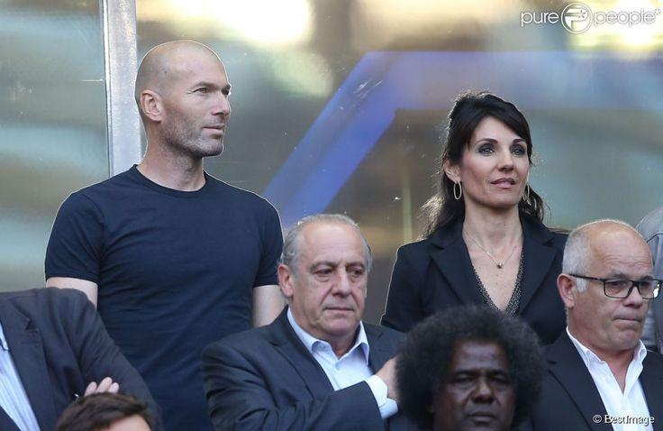 Zinédine Zidane et sa femme Véronique au Stade de France pour la rencontre France - Belgique à Saint-Denis le 7 juin 2015