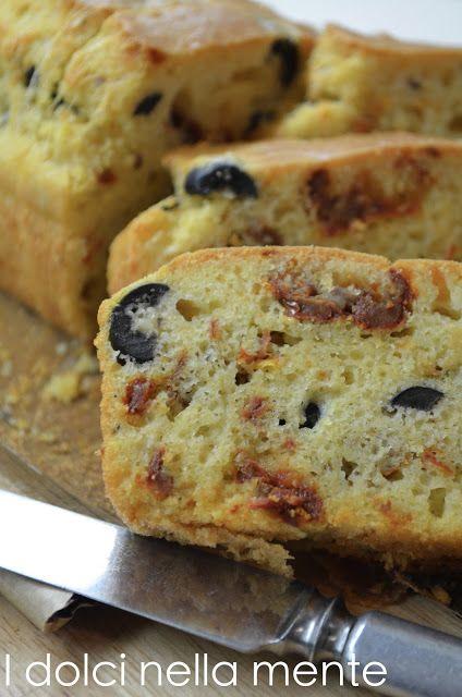 Cake alle olive e pomodori secchi