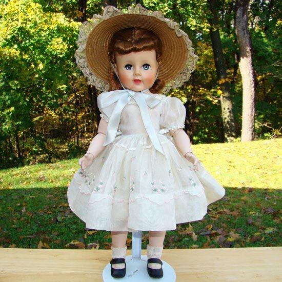 Apple Tree Auction >> 1952-53 Madelaine Madeline Jointed Doll Madame Alexander Tagged Dress Original | Vintage Madame ...