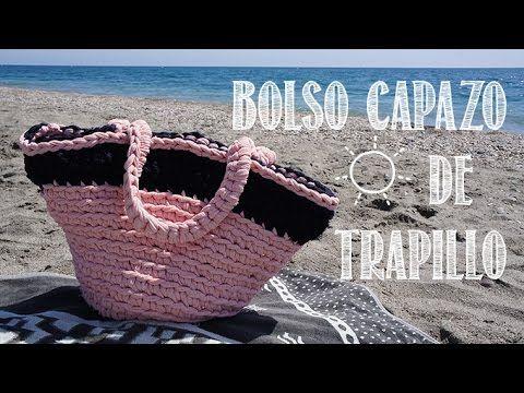 Video paso a paso de cómo hacer un bolso de playa tipo capazo de trapillo, lo bastante grande como para meter la toalla y todo lo que necesitemos para ir a l...