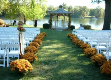 South Park Country Club is one of the oldest country clubs in Kentucky! They offer wonderful amenities so make sure to check them out for your next #event!