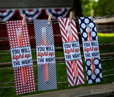 11 cool printables for 4th of July parties like these cute glow stick holders.