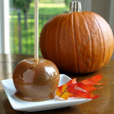 Vegan Caramel ApplesRecipe Yum, Vegan Caramel Apples, Vegan Halloween, Holiday Treats, Caramel Recipe, Dairy Free, Maple Syrup, Spooky Vegan, Vegan Food
