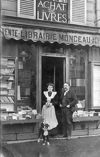 Librairie Monceau à PARIS, Avenue de Villiers 17ème , années 1900.