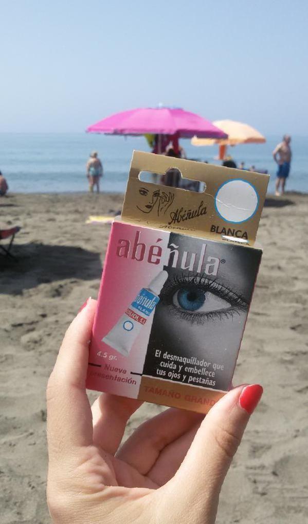 Nuestra Abéñula blanca en la playa de Rincón de la Victoria (Málaga). ¡Fotazo! :)