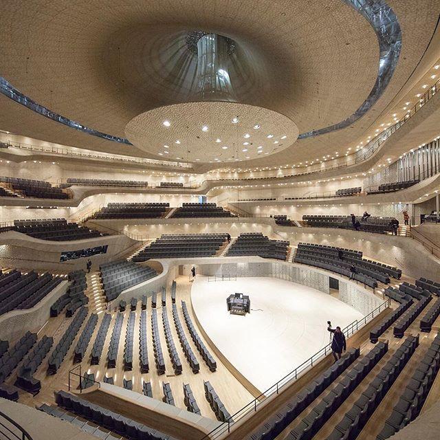 Elbphilharmonie In Hamburg Concert Hall Architecture Concert Hall Hospital Interior Design