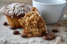 Muffin al caffè con yogurt,dolcetti da colazione soffici e golosi