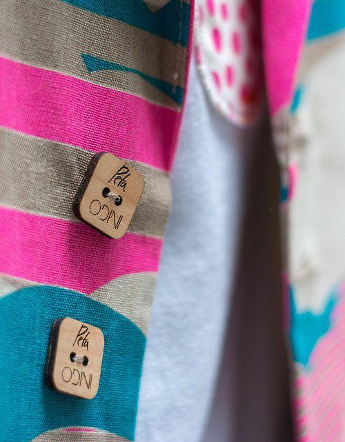 Peta Odini Cloud Camo Blazer button details