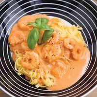 Pasta met scampi's en Boursinsaus