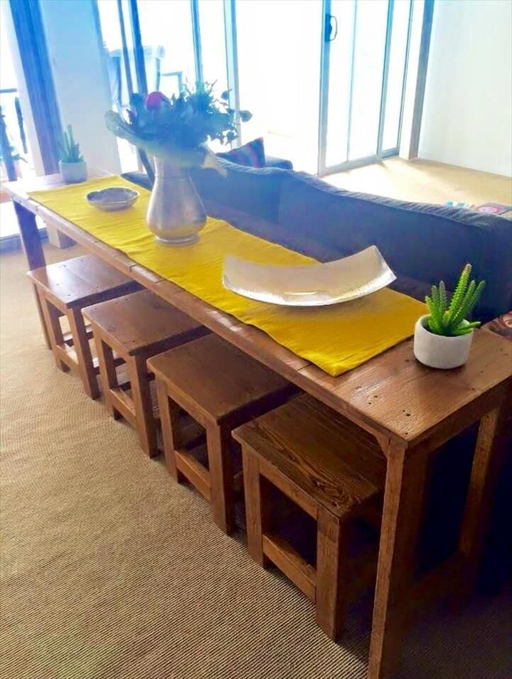 Pallet Sofa Table with 4 Matching Stools