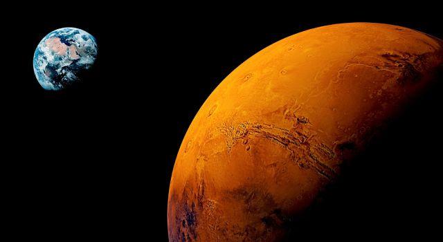 """Mars dikenal sebagai """"bintang api"""" bagi para astronom China kuno, dan ilmuwan masih terusik dengan pertanyaan mengenai Planet Merah."""