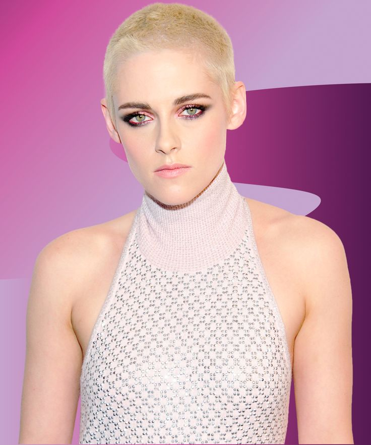Kristen Stewart shows that she is all of us when we are adjusting to a new haircut.