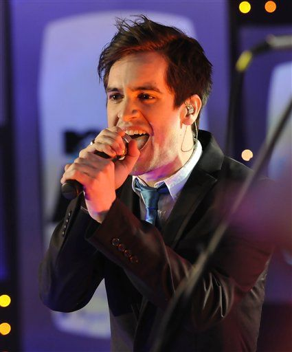 brendon urie fanfic smile - photo #32
