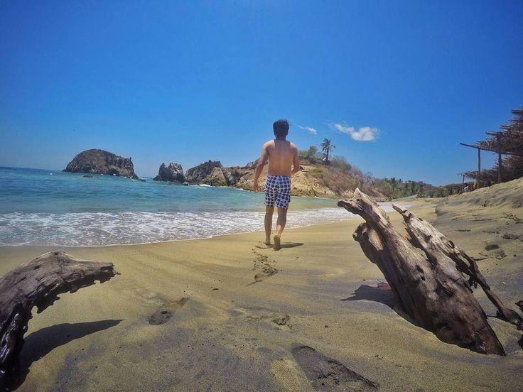 Hasta que las olas griten aay gordito ✌ . . . . . . . . .. . . . . . . . . . #maruata #travel #extreme #nikontravel #gopro #michoacan #visitmichoacan #morning#beach #sun #sky #relax #me #ocean #sea #camp #camping #mexico #gopromx #mochilerlo #adventure #mochileromx #snap #snapsed #lightroom #costamichoacana #dedodedios #love #girlfriend #soyhechoenméxico http://tipsrazzi.com/ipost/1523634492601663998/?code=BUlCX-bDgH-