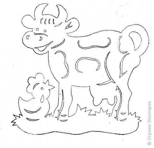 Животное домашнее, рогатое, мычащее, Стоя ест и стоя пьёт, детям молочко даёт. Рыжий молокозавод день жует и ночь жует:  Ведь траву не так легко переделать в молоко! (корова)  фото 3