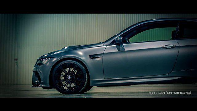 """BMW M3 [E92 Coupe """"Frozen Gray""""] Tuned By MM-Performance.pl  VT2-625 Zestaw Kompresora [ESS Tuning]  Sportowy Układ Wydechowy (System Przepustnic) [Capristo]  Zderzak Przedni (Włókno Węglowe) [Vorsteiner]  Wentylowana Pokrywa Silnika (Włókno Węglowe) [Vorsteiner]  Dyfuzor Zderzaka Tylnego (Włókno Węglowe) [Vorsteiner]  Pakiet Kosmetyczny (Czarny Połysk – Atrapa Chłodnicy """"Nerki – Grill"""", Obudowy Kierunkowskazów) [iND]  Dystanse Poszerzające Kół + Śruby (Czarny Połysk) [Macht"""