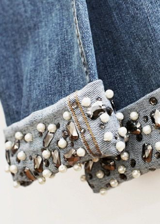 So easy to embellish a pair of jeans! // Si facile d'embellir un paire de jeans!