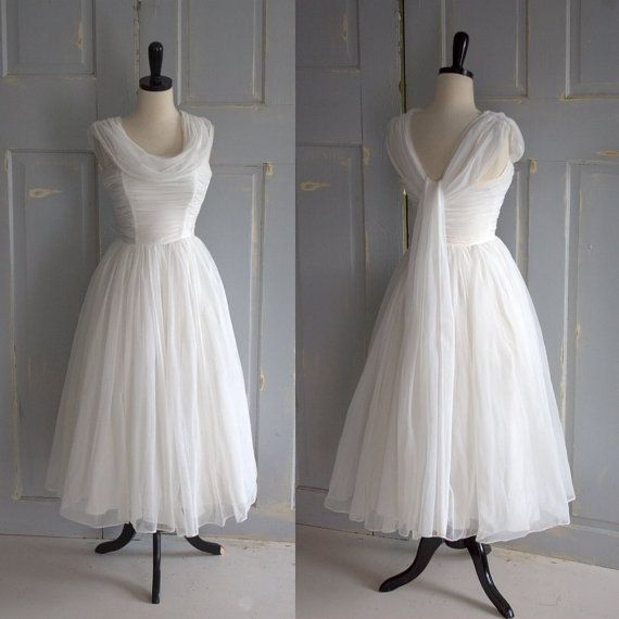 Gorgeous 1950s Tulle Tea Length Wedding Dress with Full Skirt $190.00