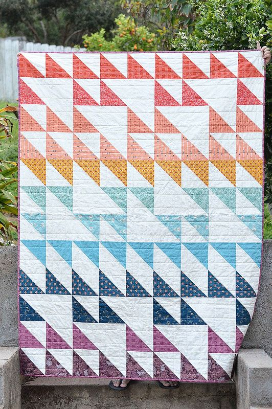 Kitchen Table Quilting: Blithe Quilt - AGF Stitched