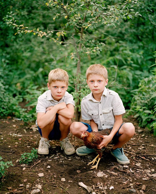 3rd Prize: Braian and Ryan, from the series Double Matters, August 2013 © Birgit Püve