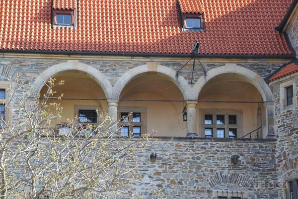 Bouzov, upper arcade, facing south