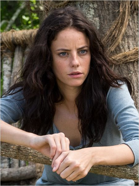 (FC: Kaya Scodelario) Hello, I'm Kaya Stonem, and I'm 18 years old and single. I'm a Greaser, and I can pass off as dark and sarcastic, but that changes once you get to know me. I'm also very intellectual, and I like to smoke and drink