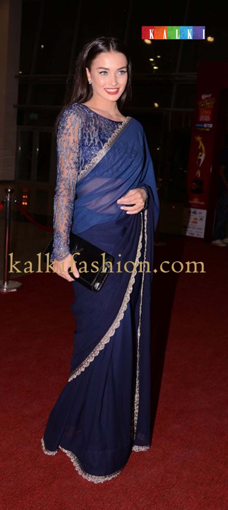 http://www.kalkifashion.com/ Amyin a blue shaded saree by Alpana and Neeraj at SIIMA red carpet day 2