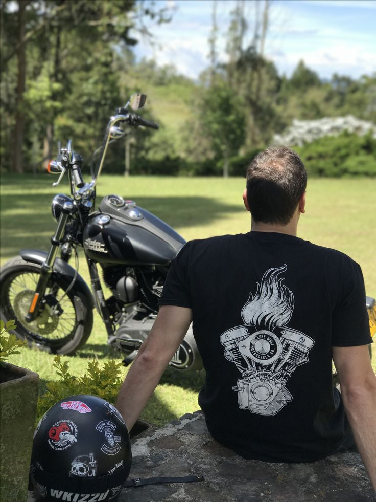 Camiseta Lone Wolf Motorcycle Co. Colombia - Tienda Online: www.lonewolfmotorcycle.co | Whatsapp: +573146159148      #lone #wolf #motorcycle #colombia #medellin #tshirt #camiseta #brand #motowear #custom #lifestyle #moto #wear #bogota #cali #ropa  #motocicleta #apparel #wear #custom  #motero  #culture #chopper #bobber #harley #davidson #royal #enfield #cafe #racer #royalenfield #caferacer