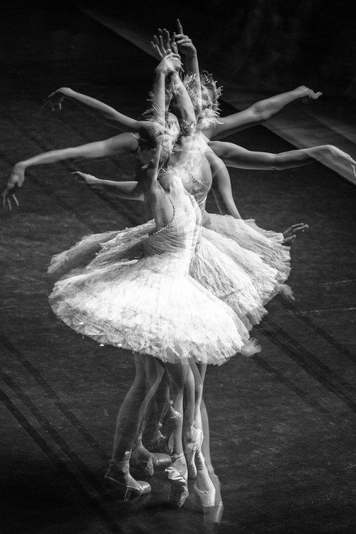 Source: seulement-danser - http://seulement-danser.tumblr.com/post/54832755333/only-to-dance-a-dance-blog-without-color