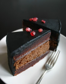 urbane fruits: Chocolate and beetroot cake with popping candy buttercream