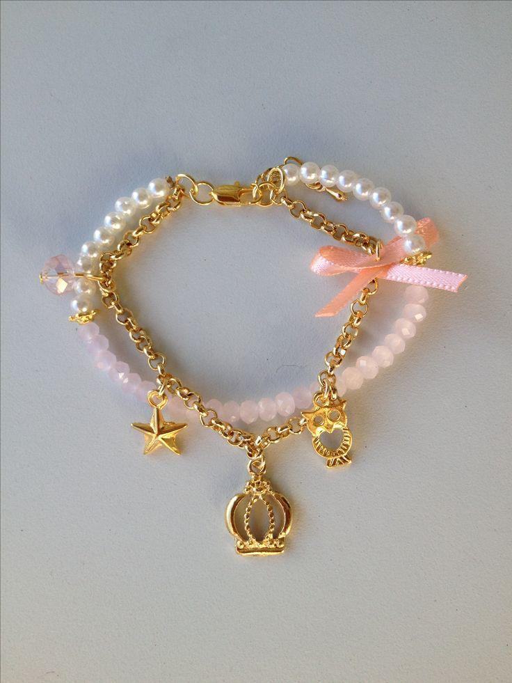 crystal and pearl bracelet with pendants pulseira de pérola e cristal com…