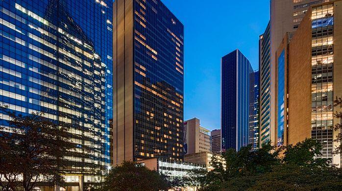 Hilton Garden Inn Downtown Dallas Hotel Tx Hotel Exterior At