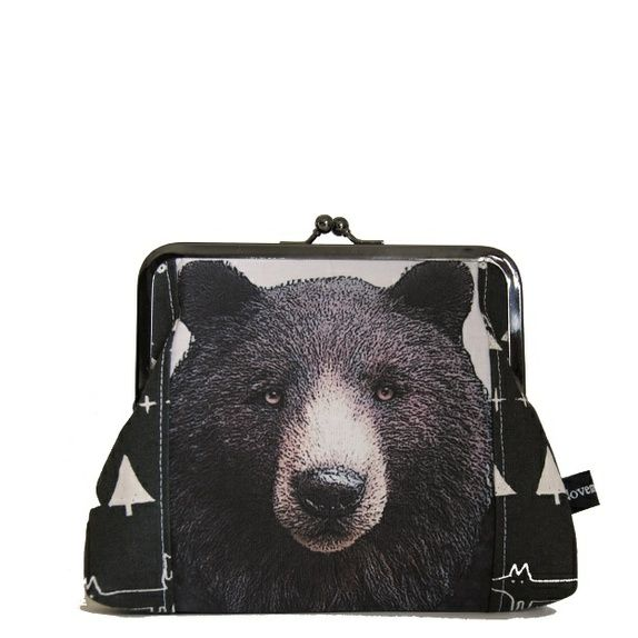 Bear - stor og romslig portemone/liten clutch