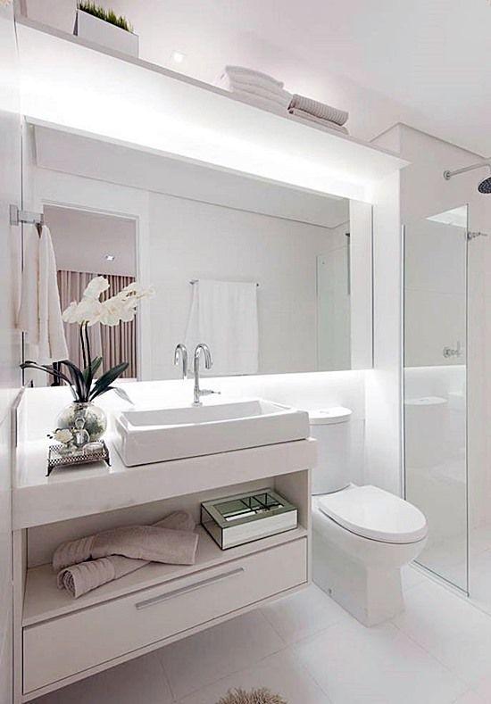 20 banheiros e lavabos pequenos e claros + link https://fr.pinterest.com/explore/decora%C3%A7%C3%A3o-banheiro-todo-branco/