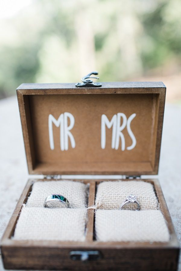 Love This Mr And Mrs DIY Wedding Ring Box To Keep The Rings On