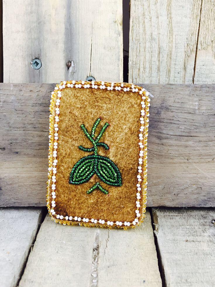 Moose-hide cardholder with green and white beadwork  #Esawa #Cardholder #Handmade #Beaded