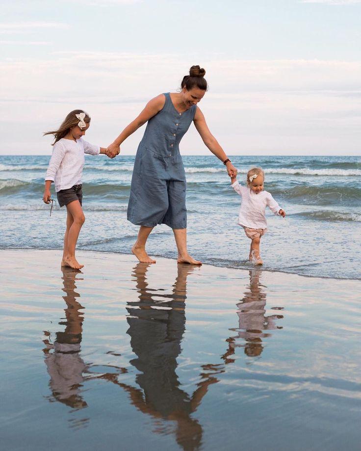 """699 """"Μου αρέσει!"""", 32 σχόλια - Oksana Dunnagan (@fresh_delivery) στο Instagram: """"Evening strolls on the beach are just as fun  {linen clothes for the beach are just perfect my…"""""""